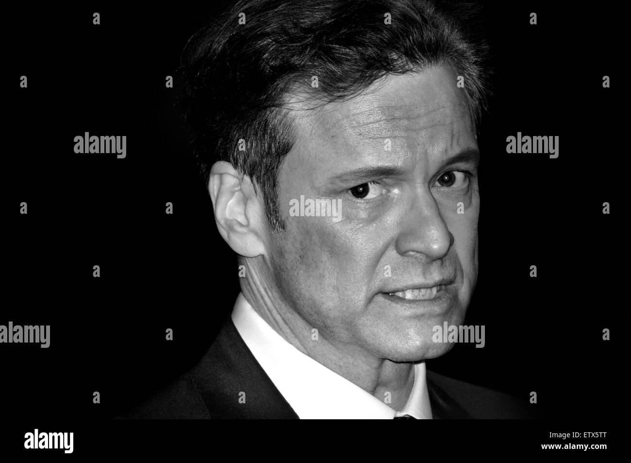 """Colin Firth (Schauspieler) bei der Londoner Premiere von """"The Eisenbahners' - Leicester Square, 4. Dezember Stockbild"""