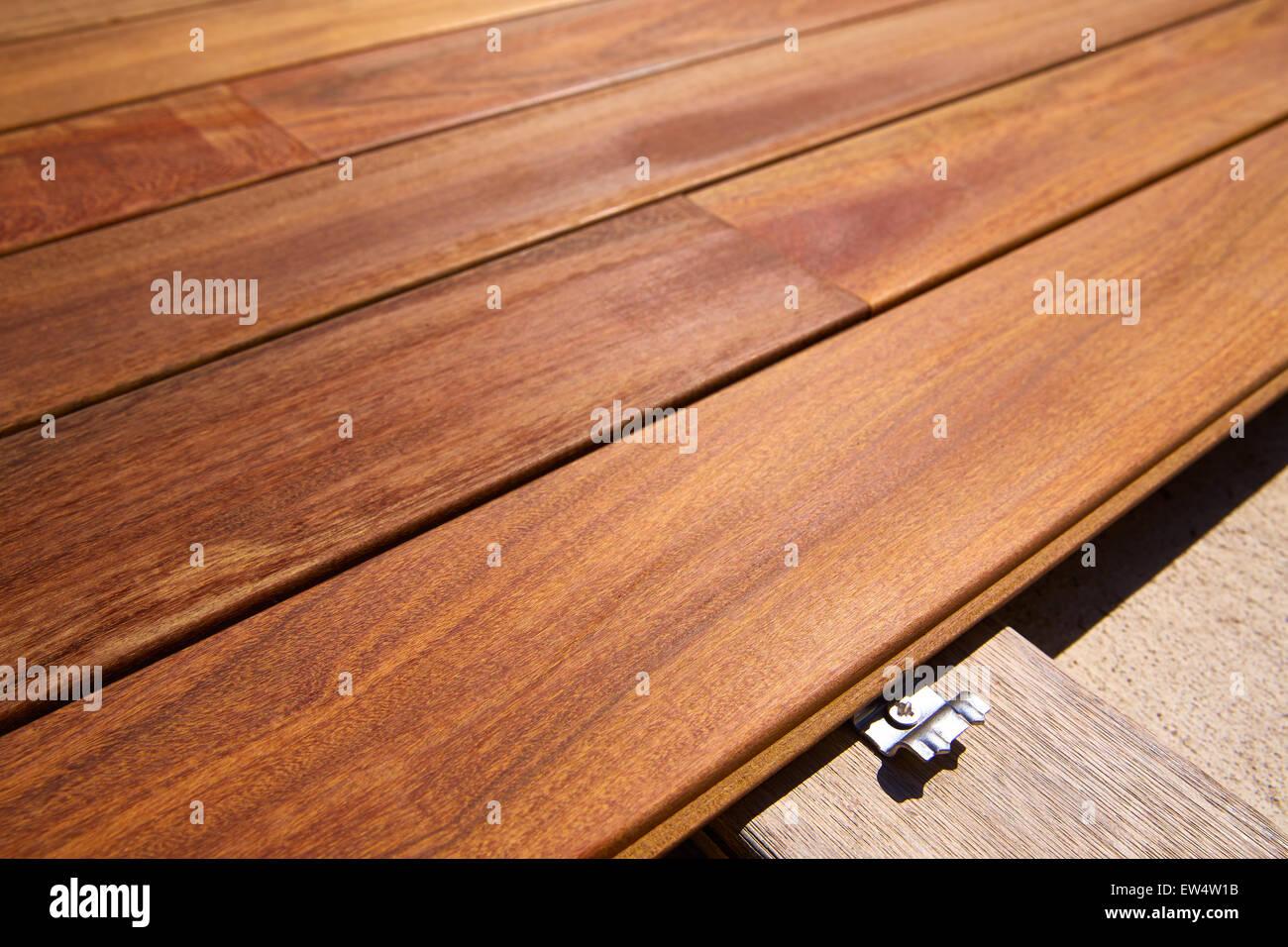 Teakholz Terrassendielen ipe teak decking deck wood stockfotos ipe teak decking deck wood