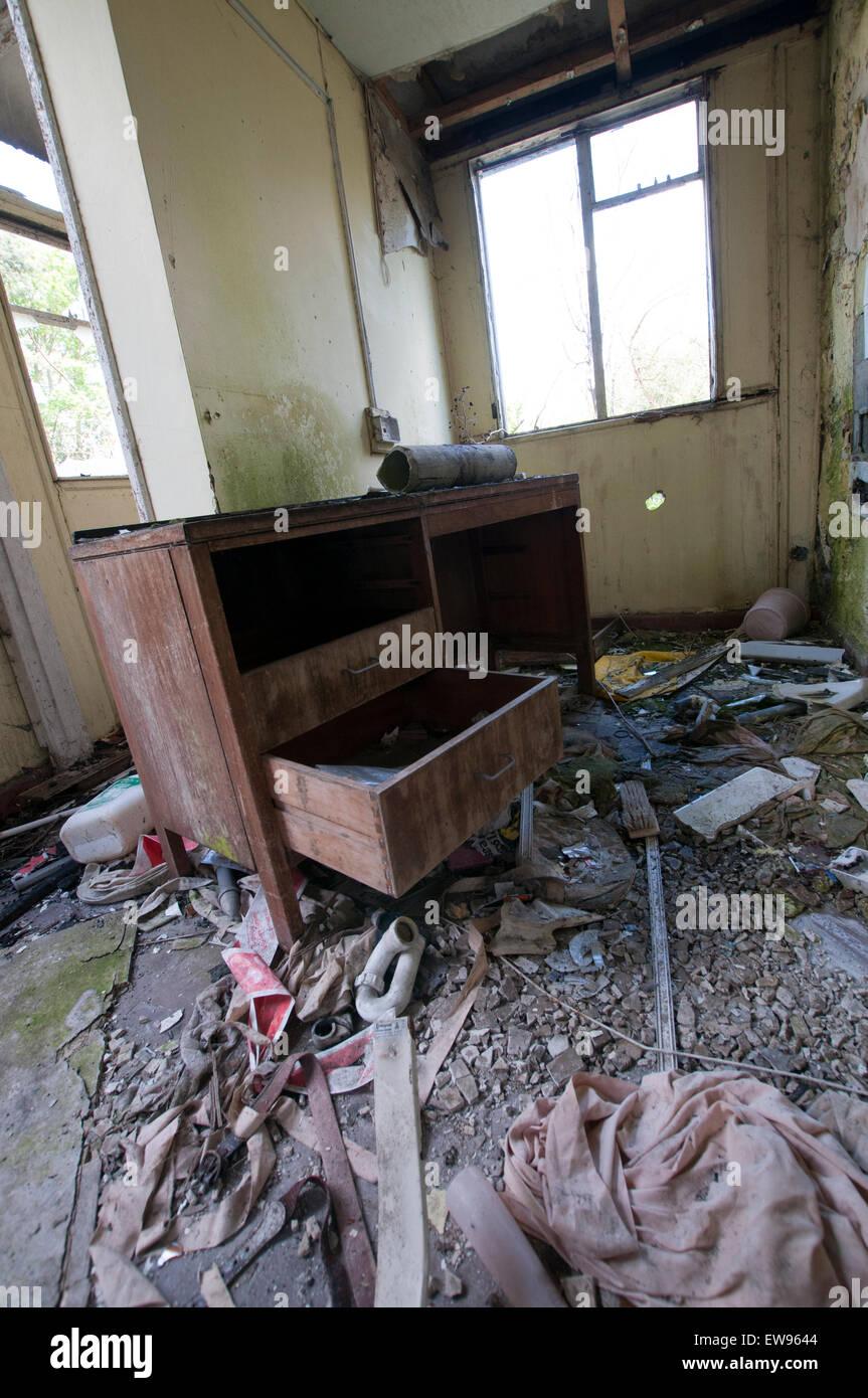 Verlassen Alte Möbel In Nocton Hall In Lincolnshire England Uk