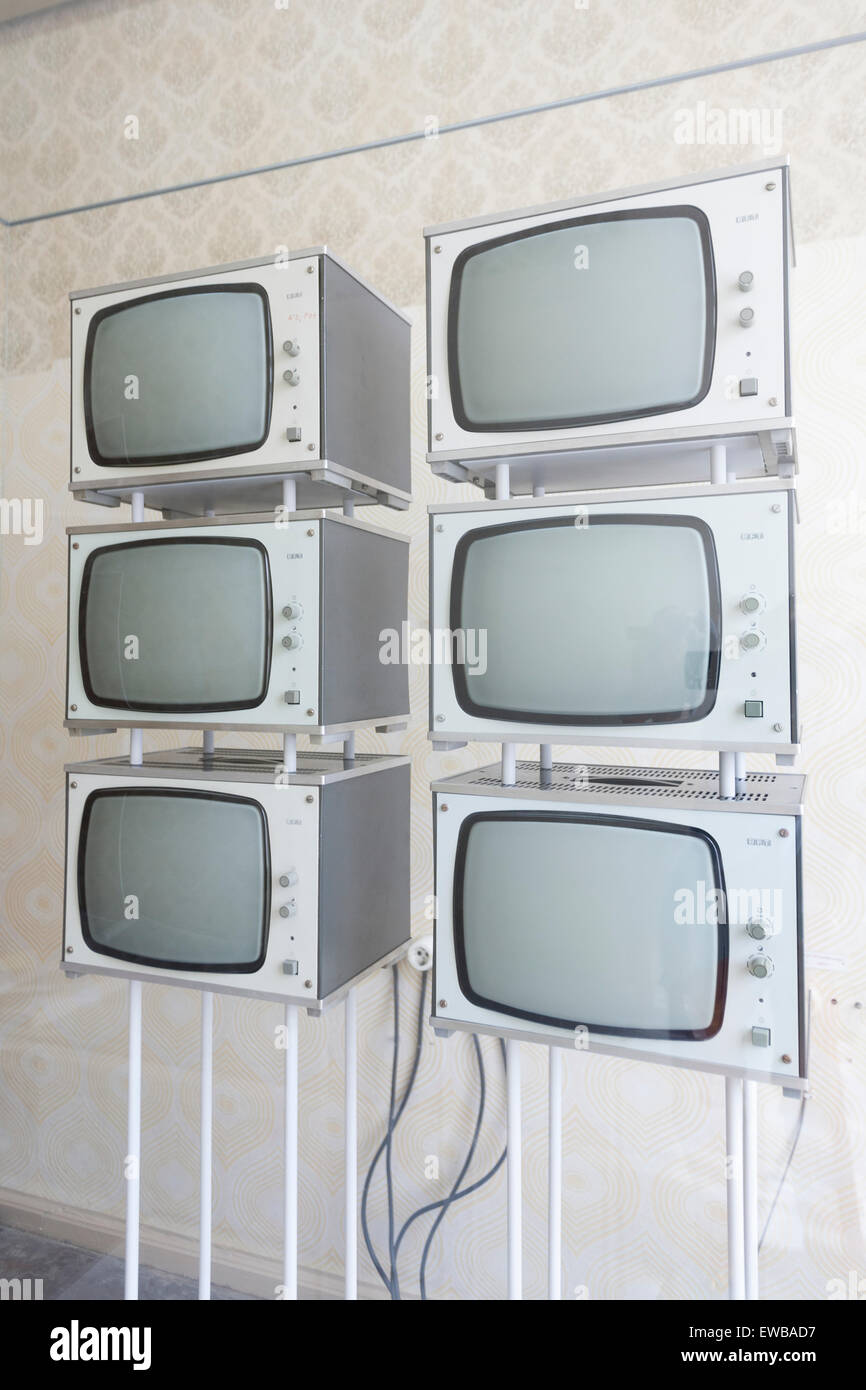 Monitoring-Bildschirme, ehemalige Stasi-Gefängnis, Gedenkstätte Hohenschönhausen, Berlin Stockbild