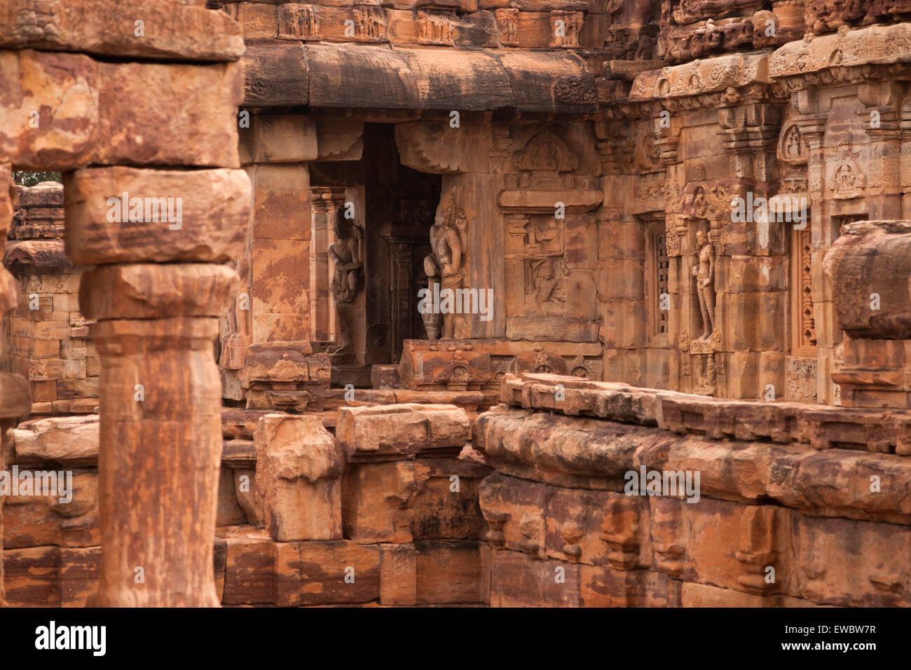 Tempelgebäude aus der Chalukya-Dynastie, UNESCO-Weltkulturerbestätten in Pattadakal, Karnataka, Indien, Stockbild
