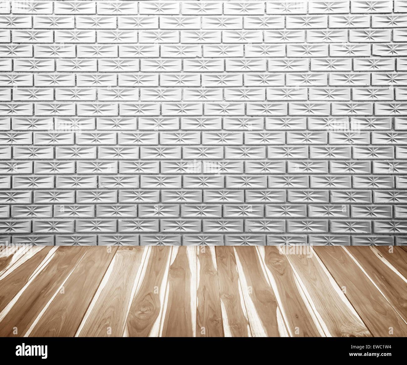 Weiße Wände und Böden, Holzsteg Hintergrund Oberfläche. Stockbild
