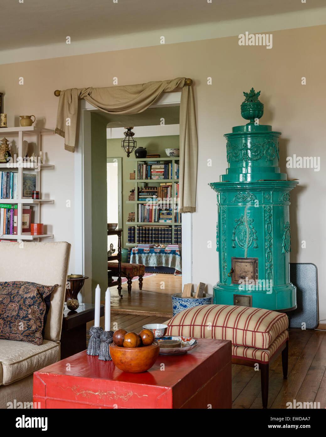 antique stove antique stockfotos antique stove antique bilder alamy. Black Bedroom Furniture Sets. Home Design Ideas