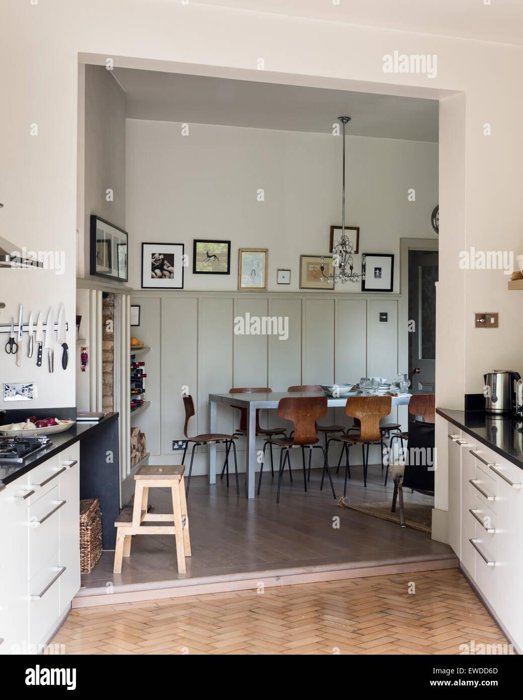 PK Stühle Tisch In Offene Küche, Essbereich Mit Parkett