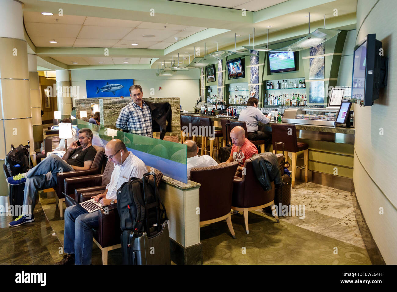 miami florida international airport mia im terminal halle