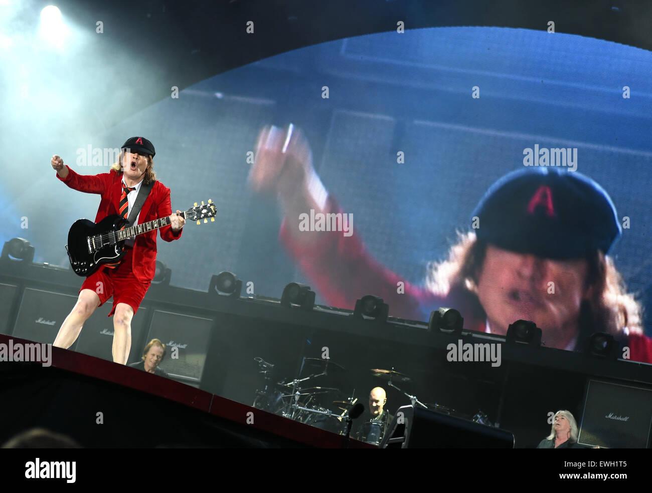 Berlin Deutschland 25 Juni 2015 Gitarrist Angus Young Der