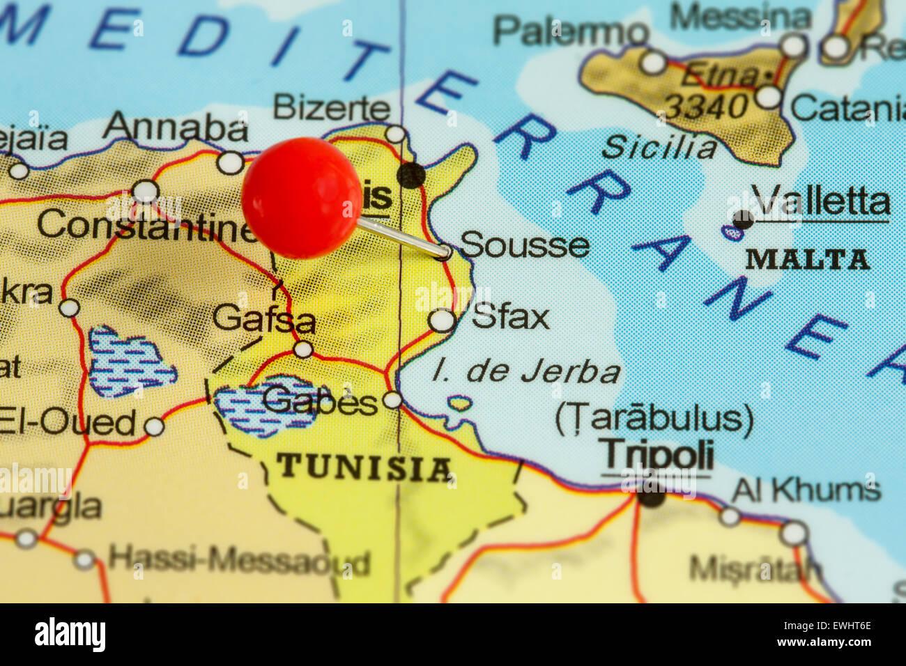 Tunesien Karte.Nahaufnahme Von Roten Pin Auf Einer Karte Von Sousse