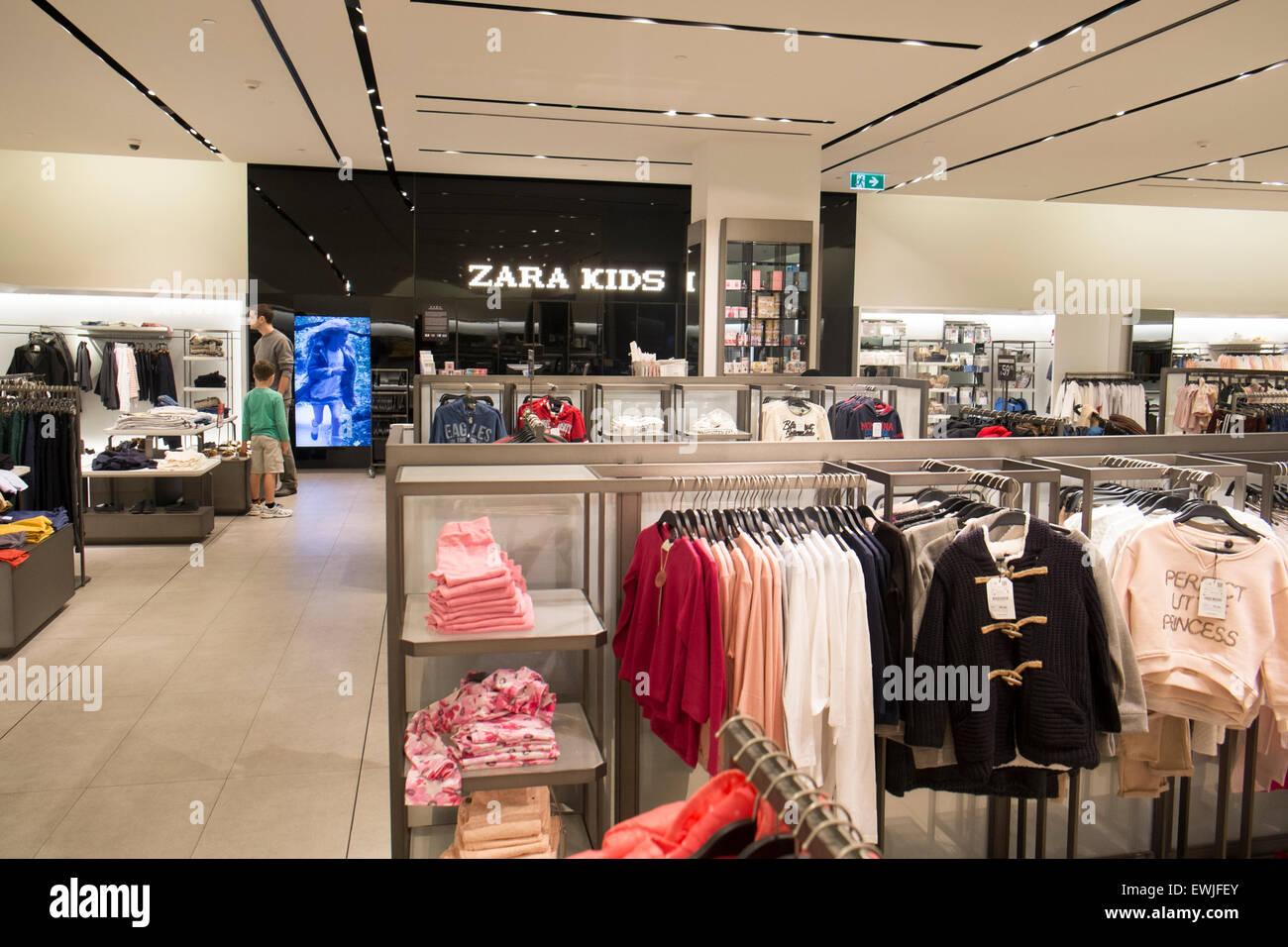 Australisch Familie Interieur : Interieur von zara kids laden geschäft im einkaufszentrum canberra