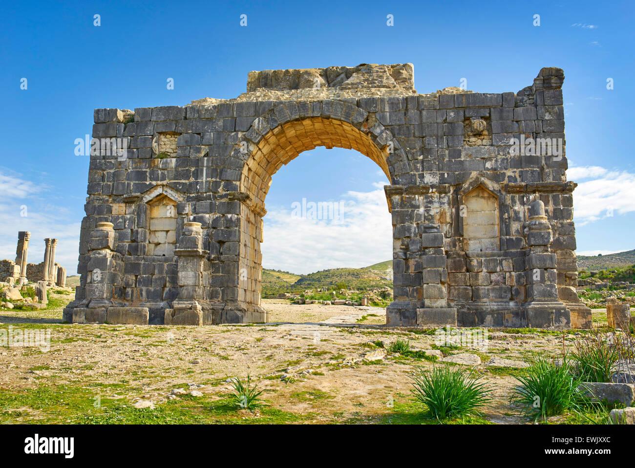 Römischen Ruinen von Volubilis in der Nähe von Meknes, Triumphbogen, UNESCO, Marokko, Afrika Stockfoto