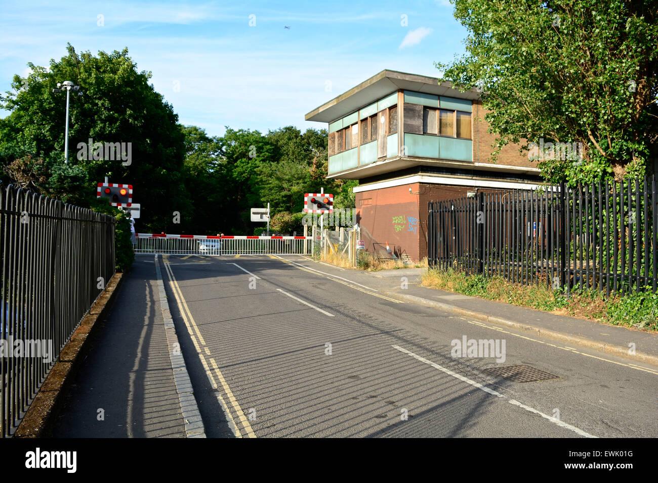 Rebe-Straße-Bahnübergänge, Barnes, London, SW13 Stockbild