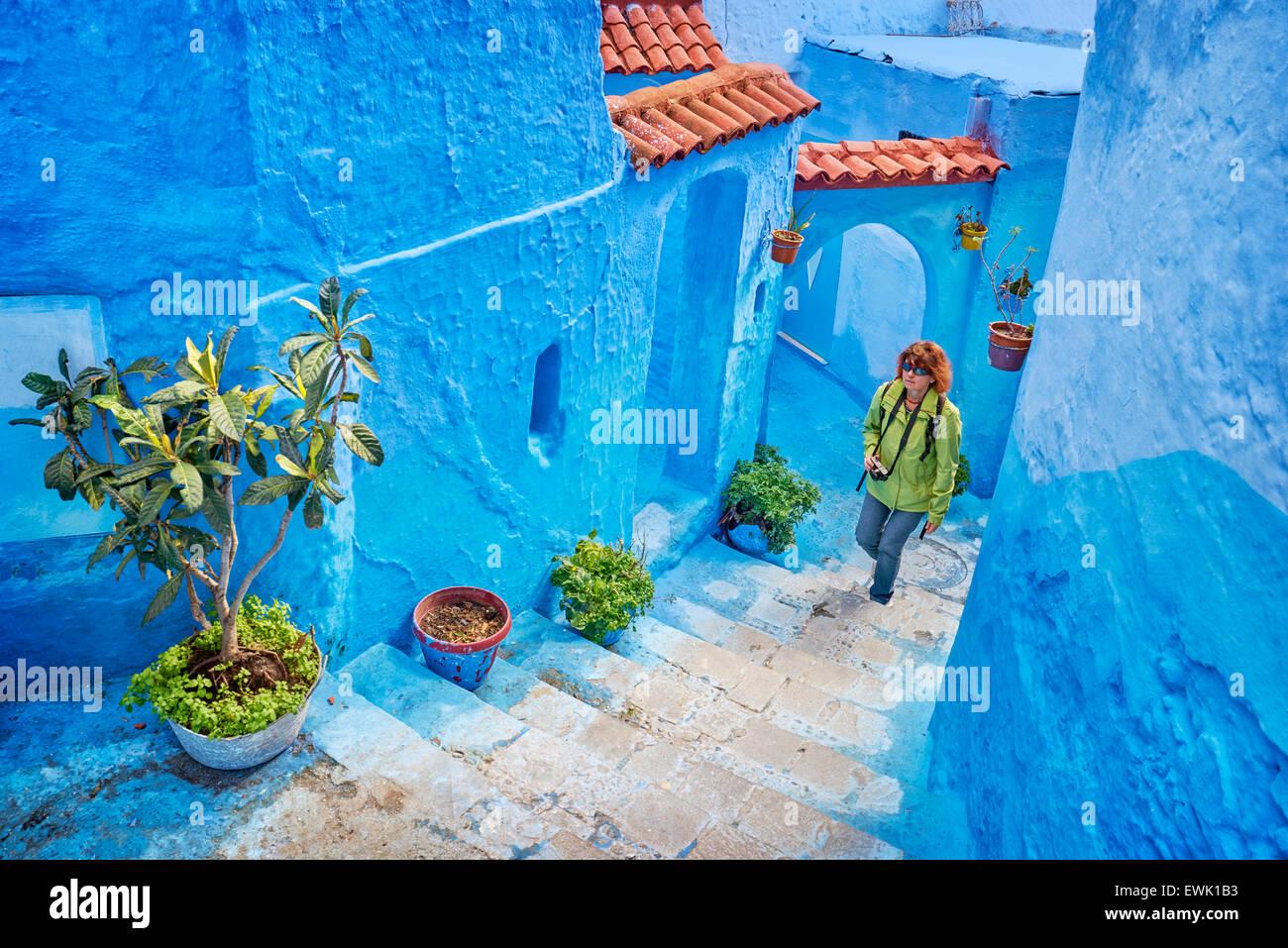 Blau gestrichene Wände in alte Medina von Chefchaouen, Marokko, Afrika Stockfoto