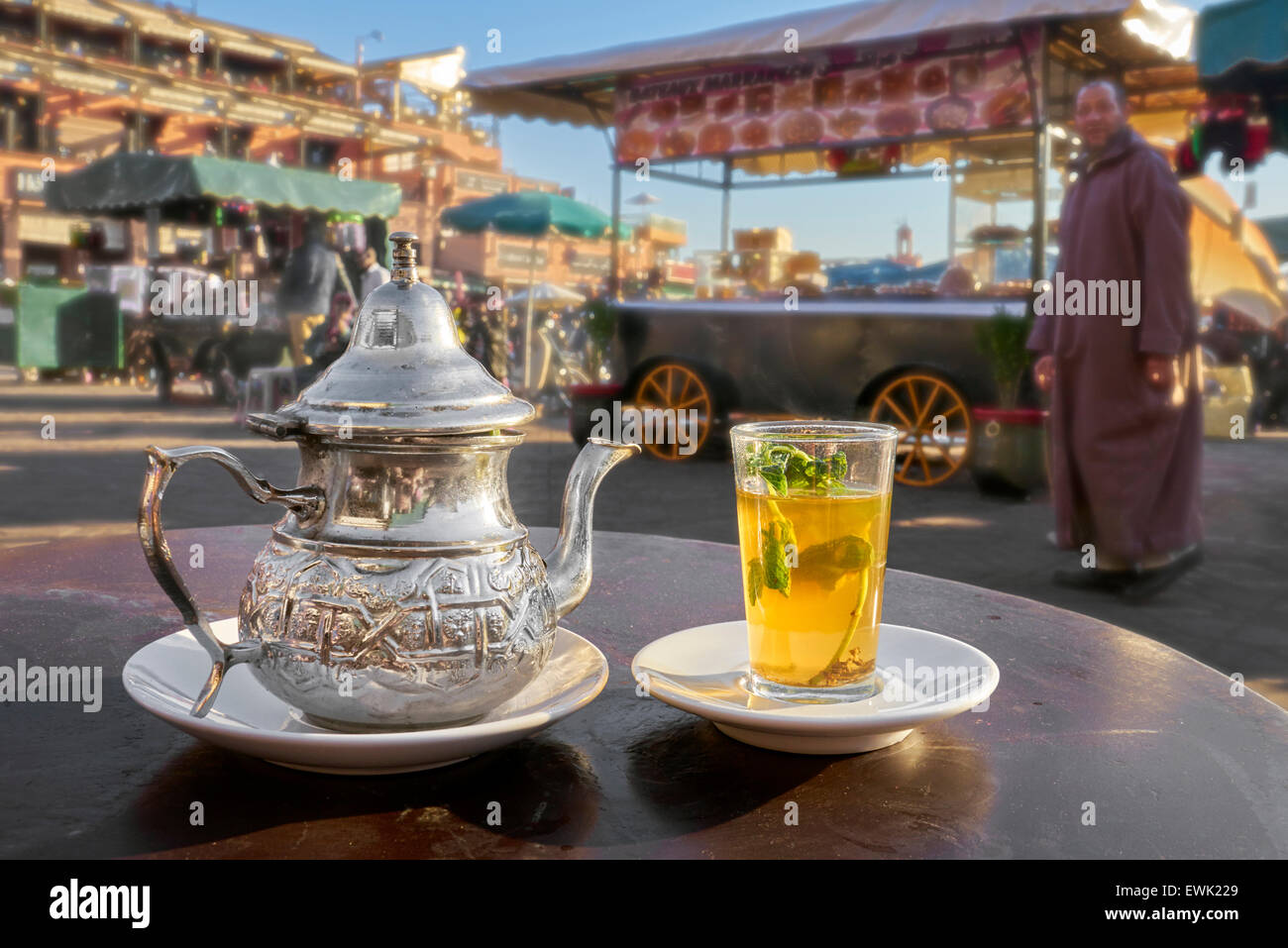 moroccan tea stockfotos moroccan tea bilder alamy. Black Bedroom Furniture Sets. Home Design Ideas