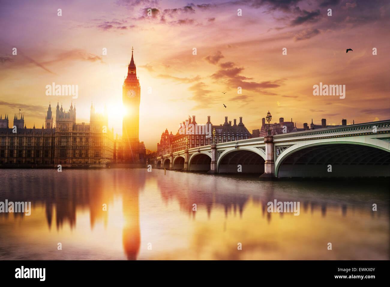 Big Ben und Westminster Bridge in der Dämmerung, London, UK Stockbild