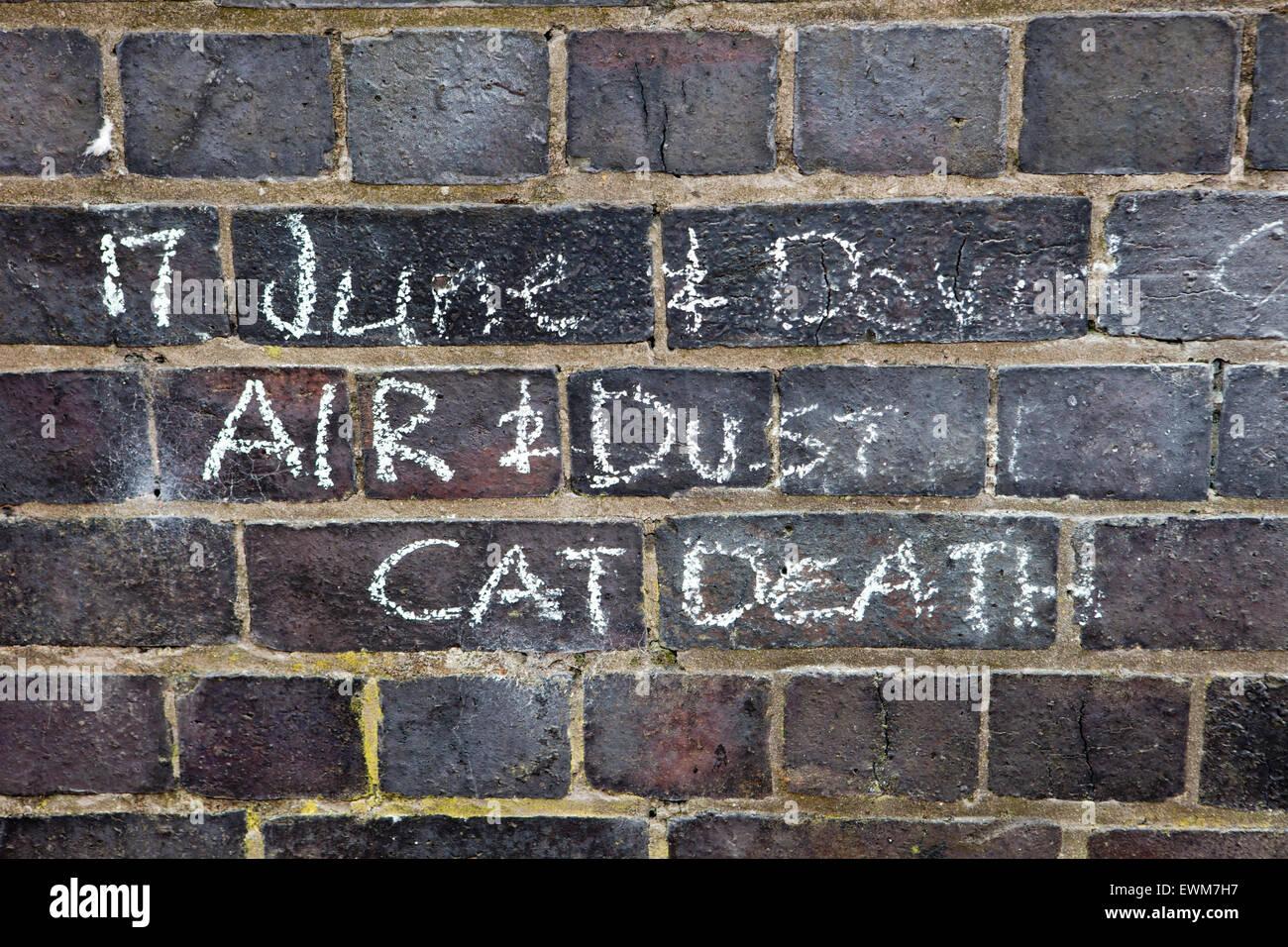 Mauer der Erinnerung, die Liste der Toten, verletzten & krank, leiden an Krankheiten, die angeblich darauf zurückzuführen Stockbild