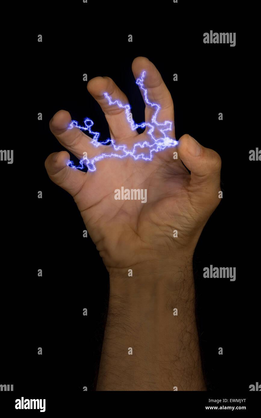 Strom an Ihren Fingerspitzen elektrische aktuelle Spannung möglich flexible Folien des thermoelektrischen Materials Stockbild