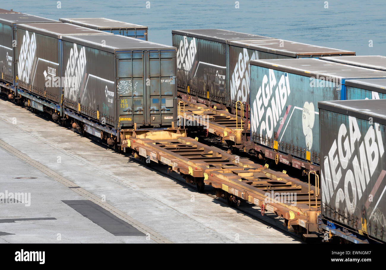 mega combi rail freight container niehl k ln deutschland stockfoto bild 84681975 alamy. Black Bedroom Furniture Sets. Home Design Ideas