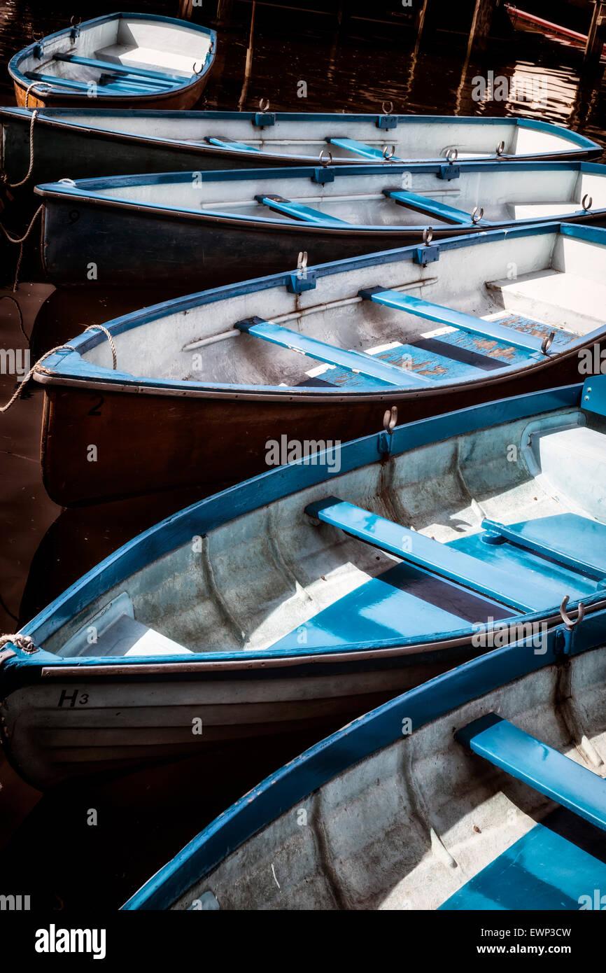 mehrere Boote im Wasser Stockbild