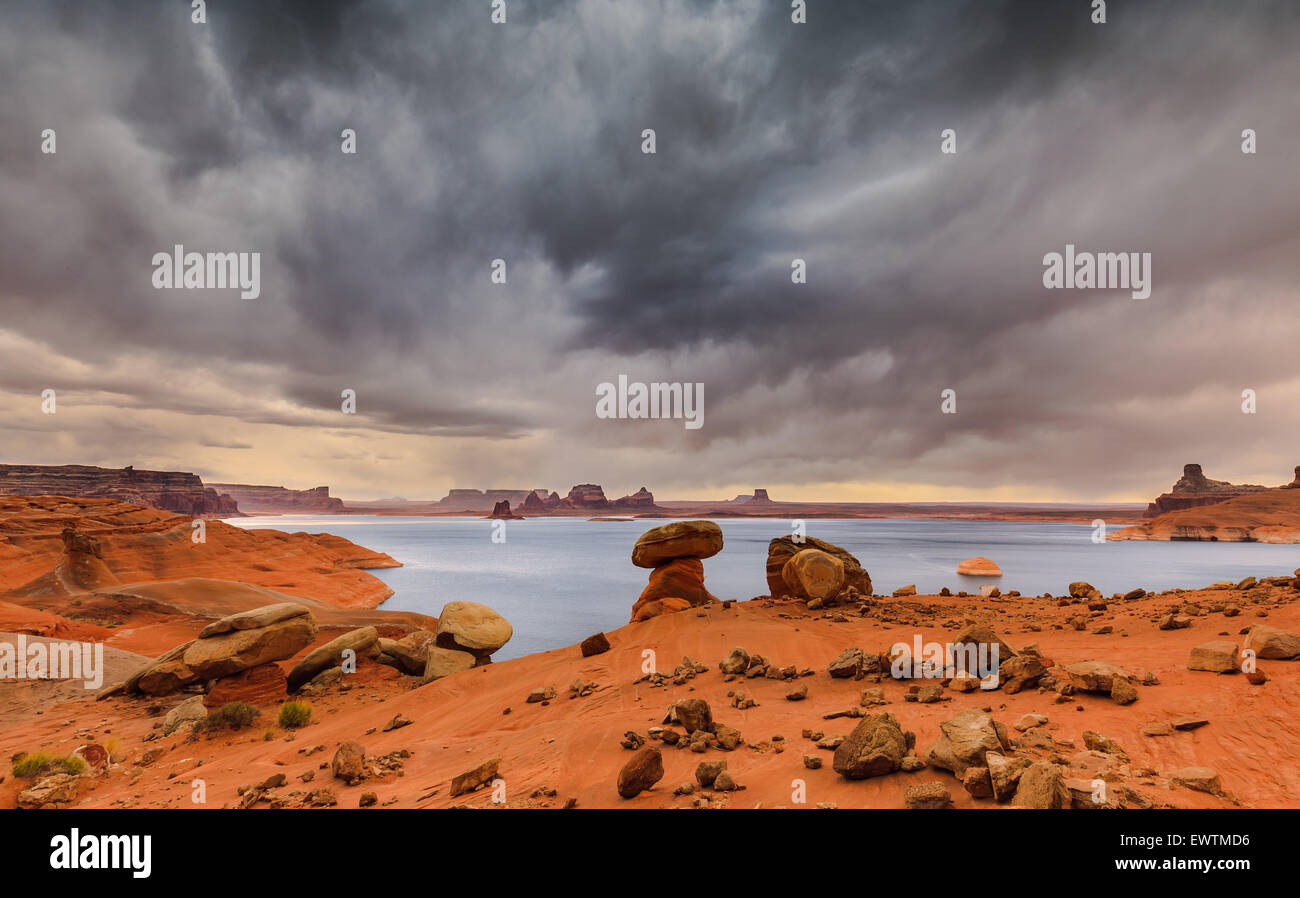 Padre Bucht von Cookie Jar Butte. Lake Powell in Utah Stockbild