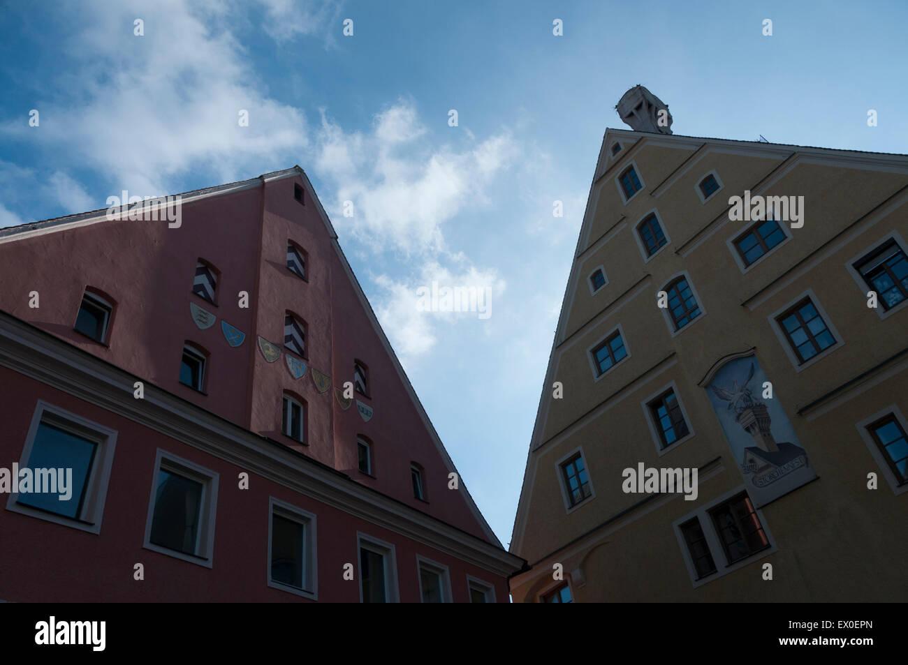 Zwölf-Artikel-Haus (linke Hand) und Haus Zum Silberdistel (Rechte Hand). Memmingen. Bayern, Swabia. Deutschland. Stockbild