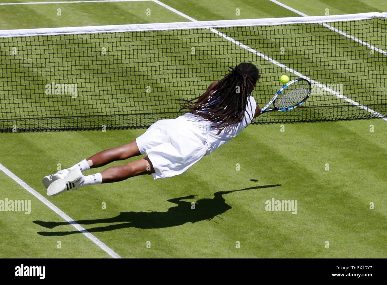 Wimbledon, Großbritannien. 4. Juli 2015. Das Tennisturnier von Wimbledon. Gentlemens Singles dritten Vorrundenspiel Stockbild