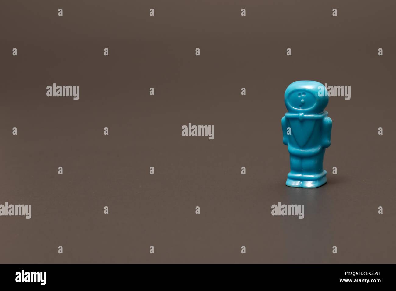 Einzelne blaue Kunststoff-Spaceman Stockbild