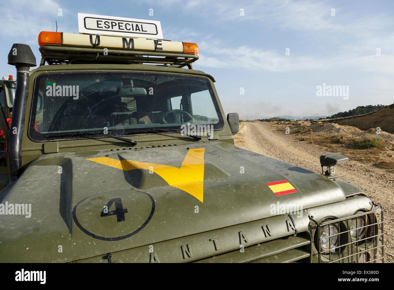 4 x 4 militärische (UME) Feuer im Sierra de Luna. Cinco Villas Region. Zaragoza. Aragon. Spanien Stockbild