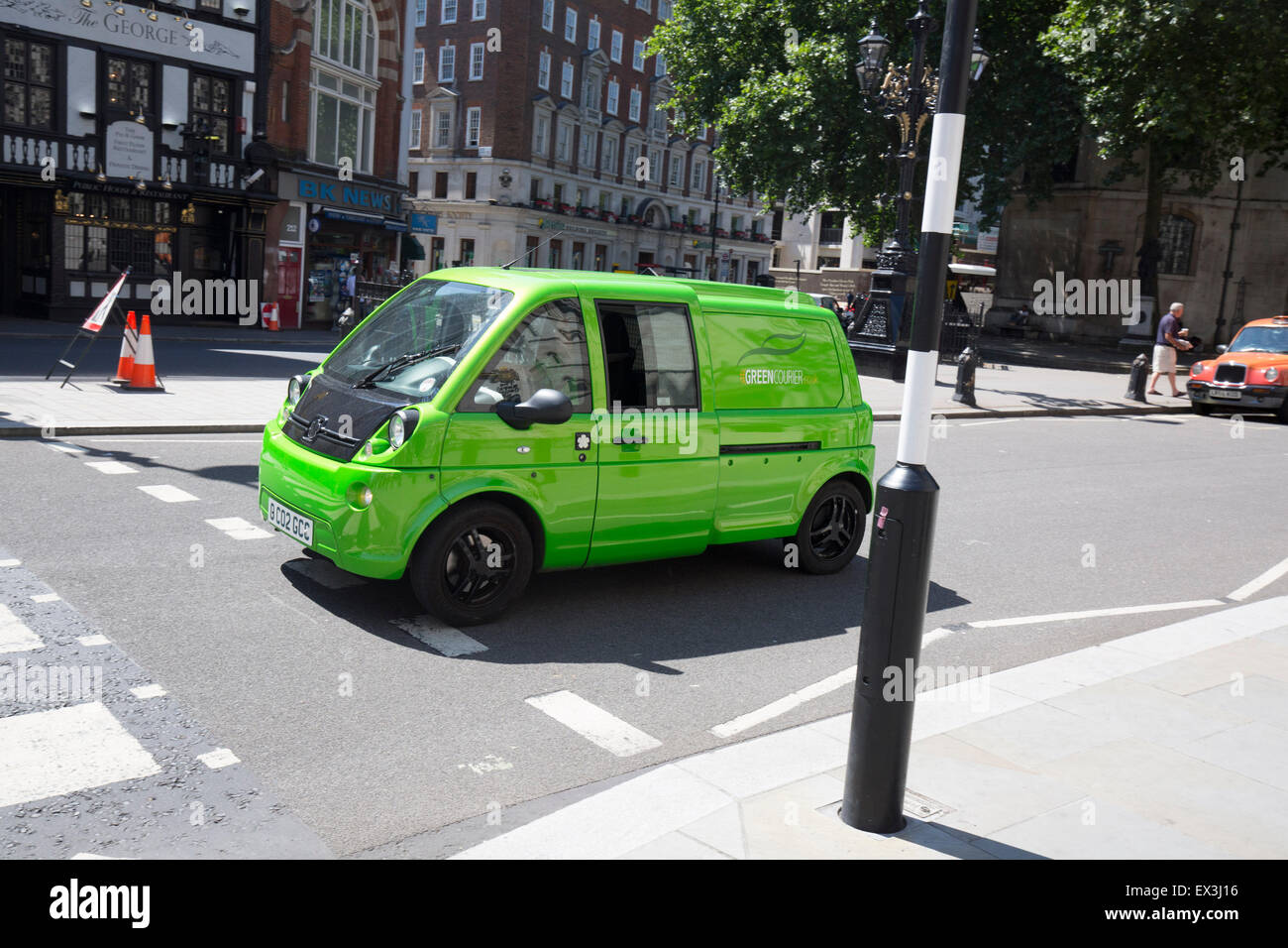 Grüne Elektroauto saubere Energie van futuristisch Stockbild