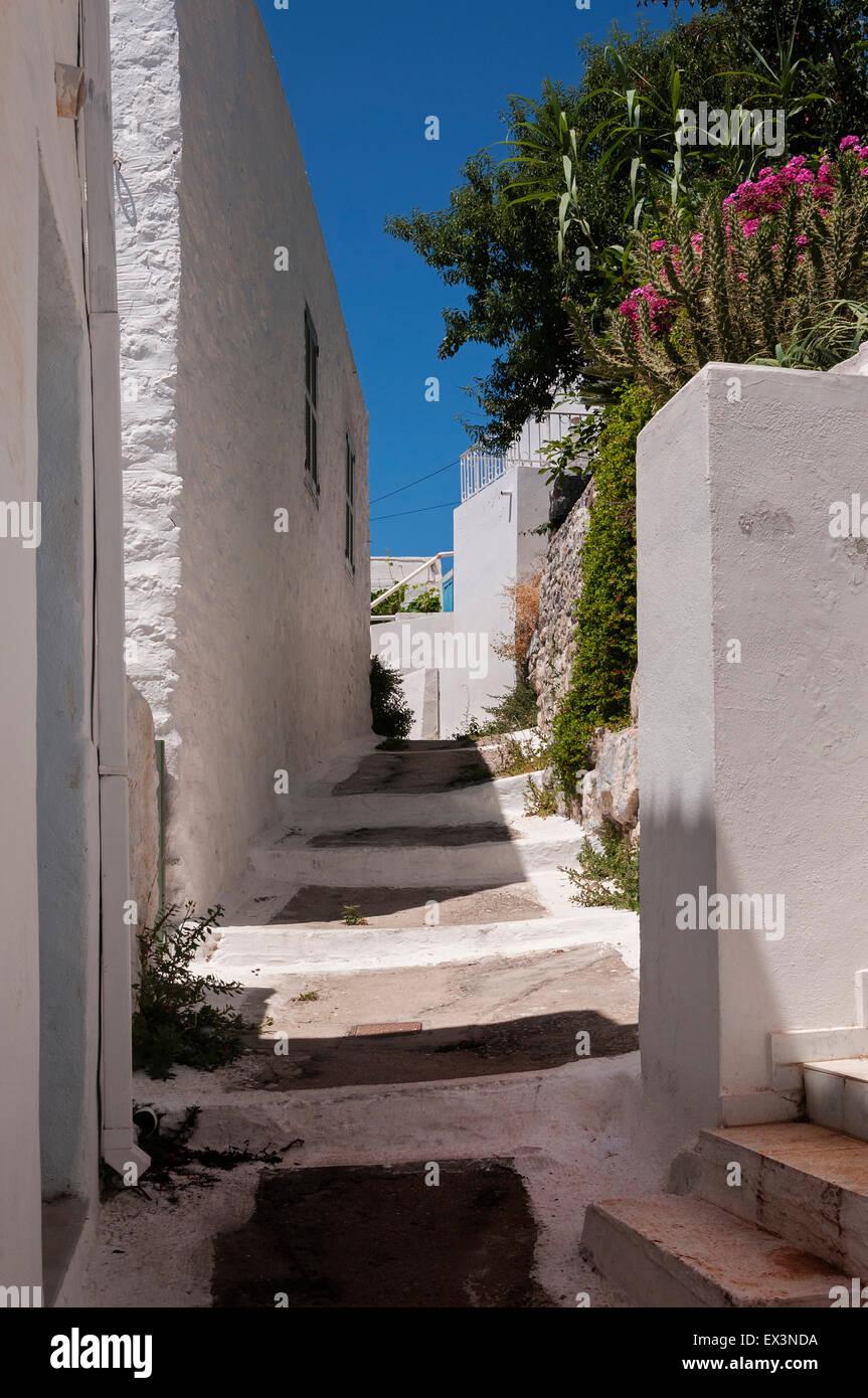 Eine Straße in Megalo Horio, Tilos. Stockbild