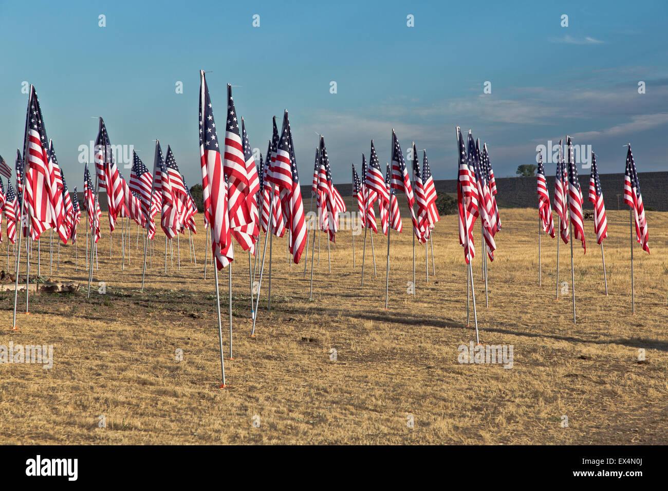 4. Juli Flagge Display 'unser' Truppen zu Ehren. Stockfoto