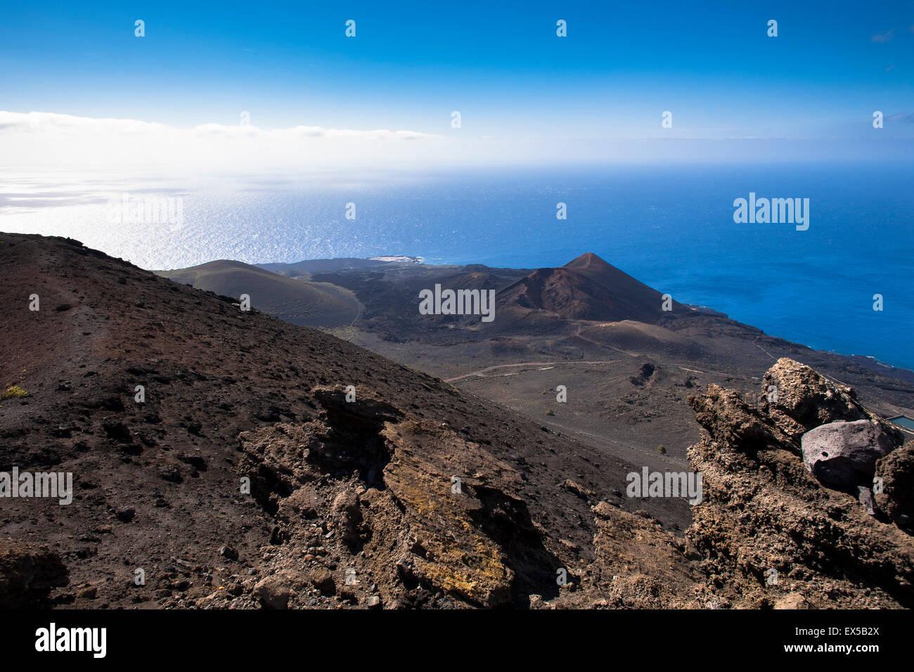 ESP, Spanien, die Kanaren Insel La Palma, Blick vom Vulkan San Antonio zum Vulkan Teneguia nahe Fuencaliente / Stockbild