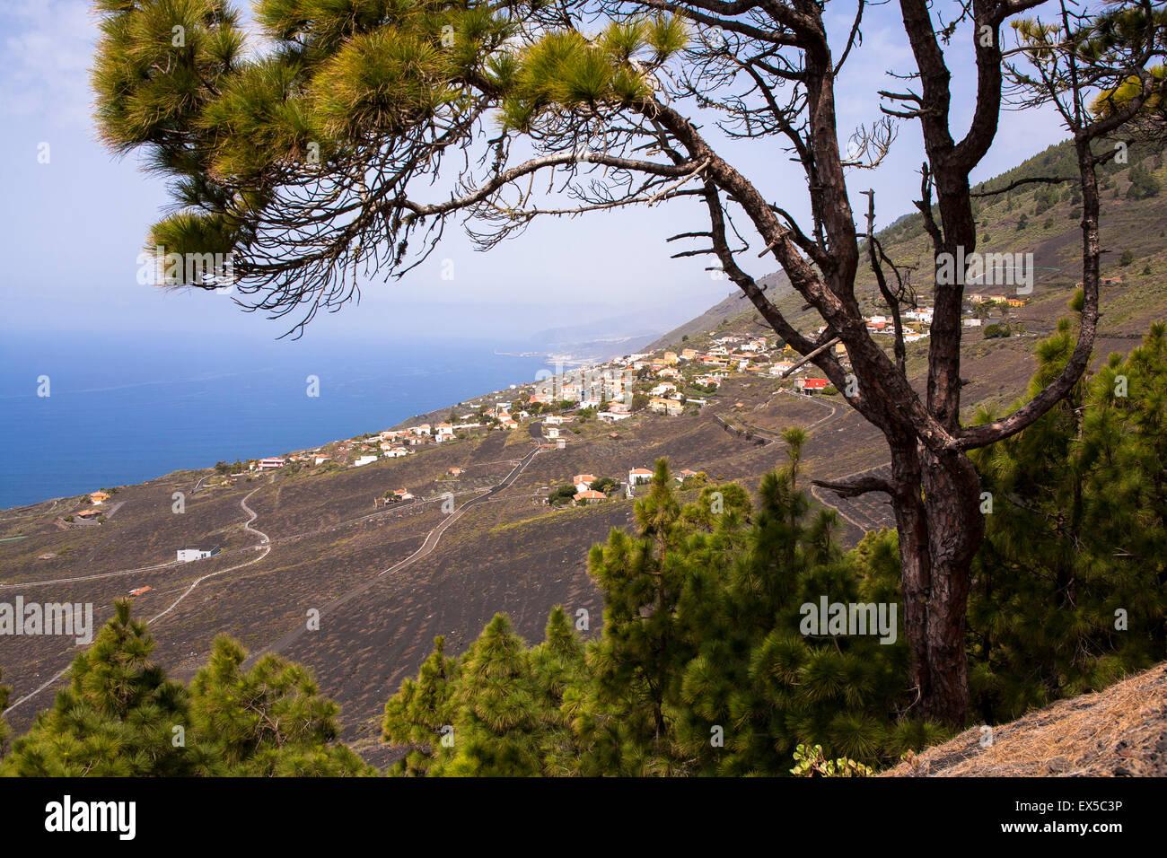 ESP, Spanien, die Kanaren Insel La Palma, Blick auf das Dorf Los Quemados aus dem Vulkan San Antonio.  ESP, Spanien Stockbild
