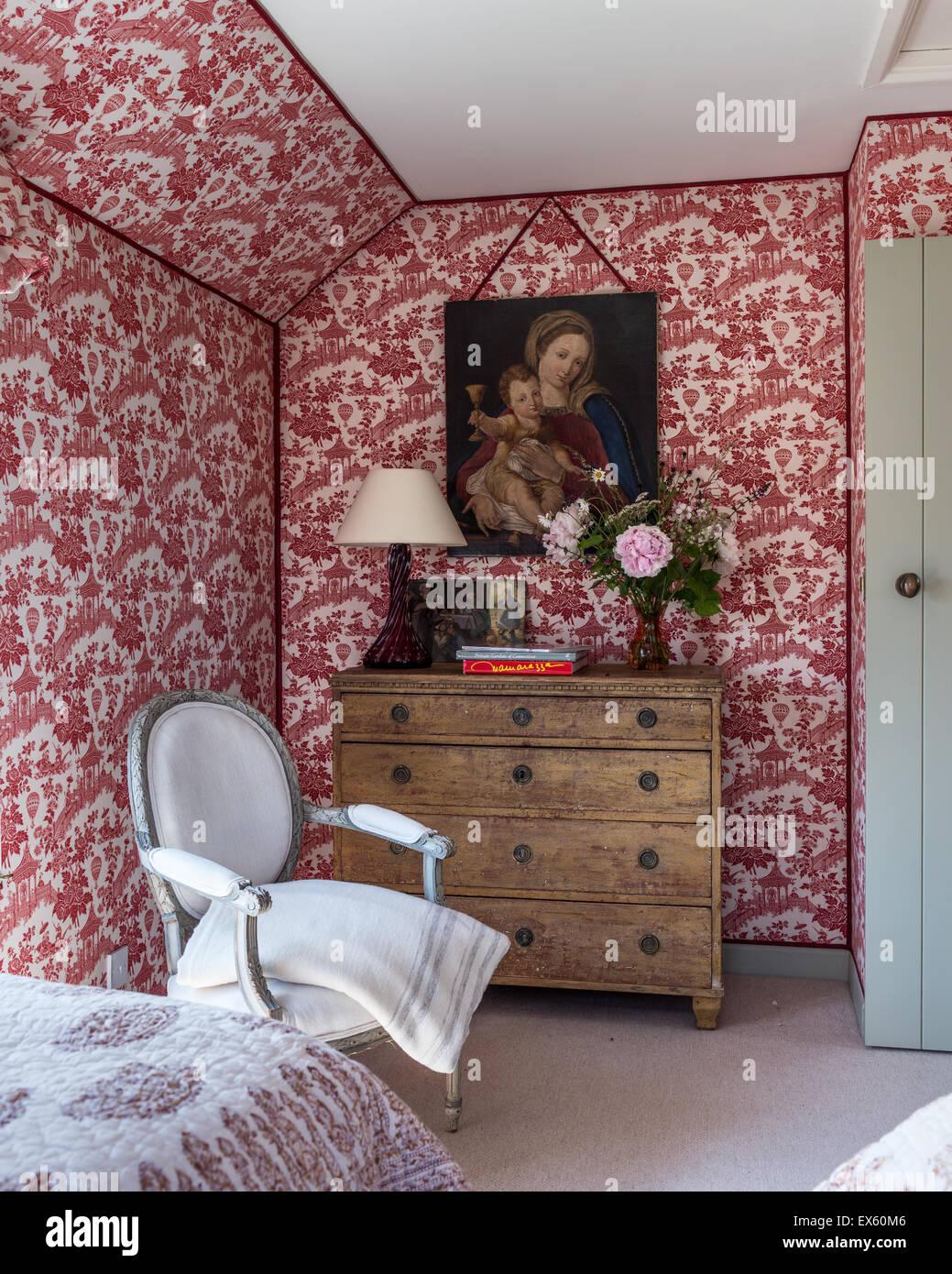 Chair toile stockfotos chair toile bilder alamy - Tapeten schlafzimmer landhaus ...