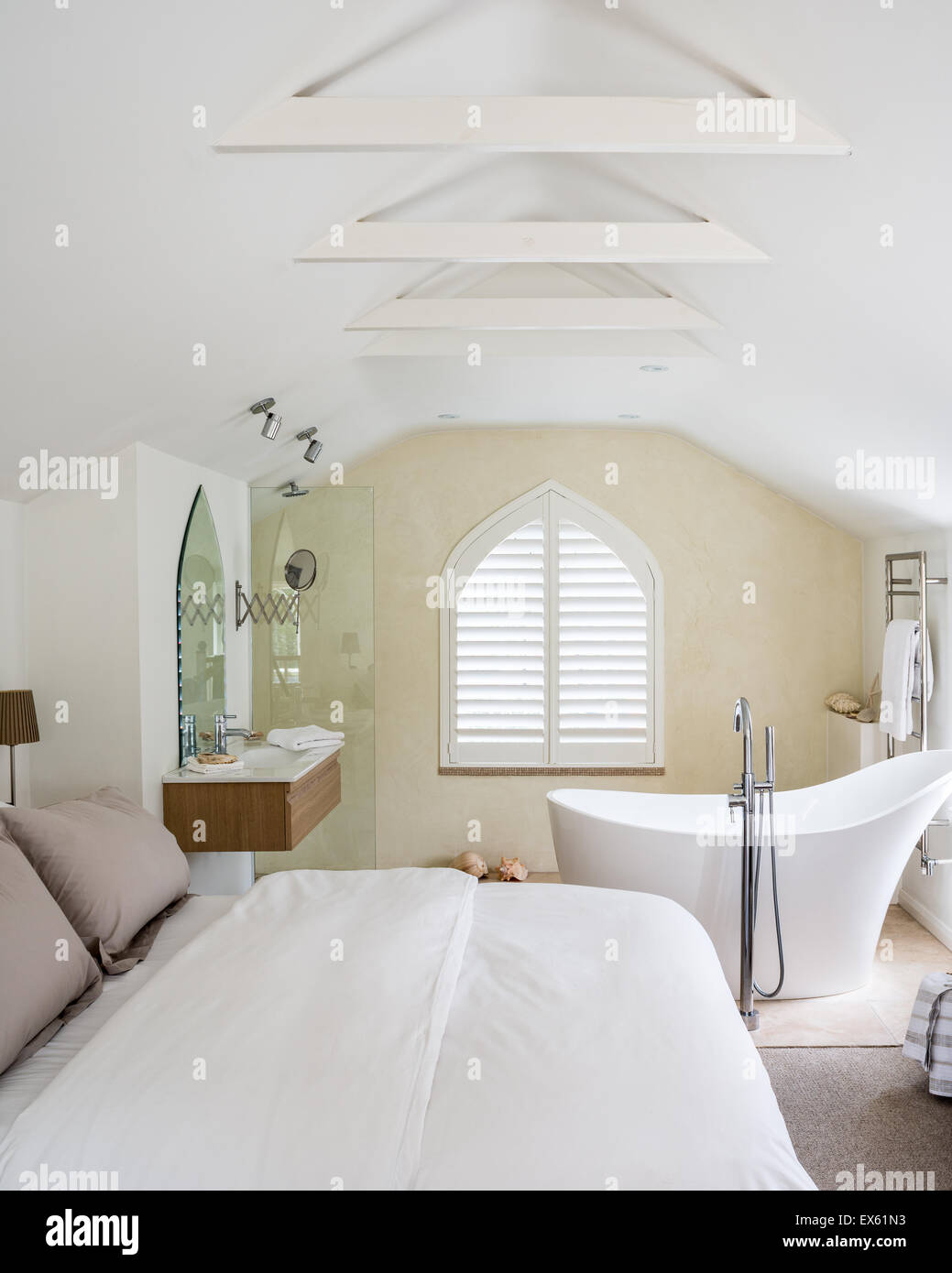 Cottage Style Bedroom Stockfotos & Cottage Style Bedroom Bilder - Alamy