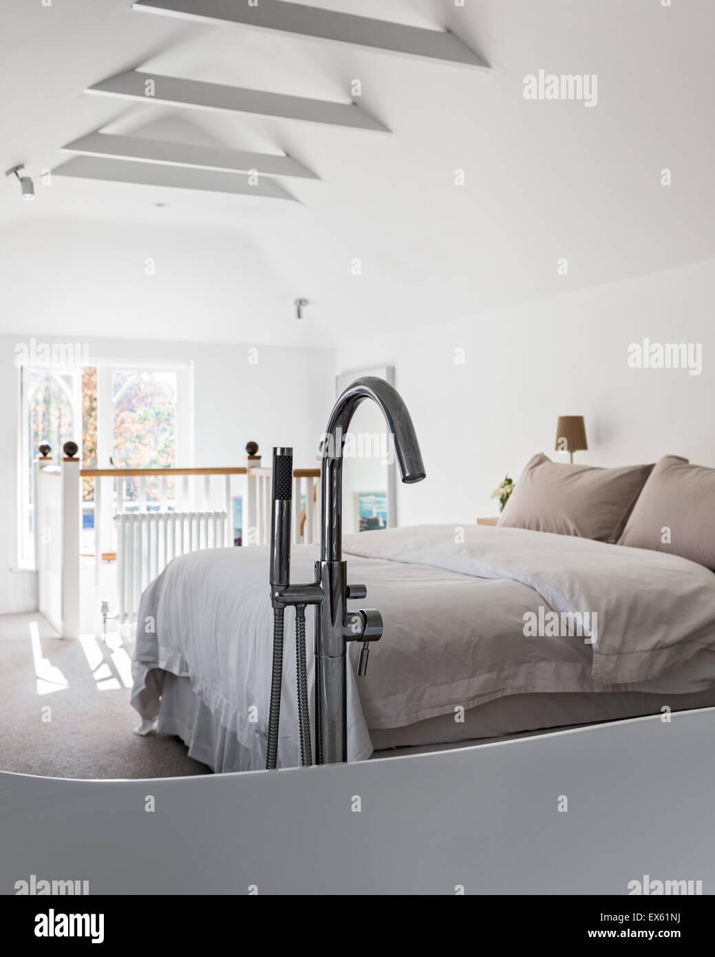 Cottage Style Bedroom Stockfotos & Cottage Style Bedroom Bilder - Alamy