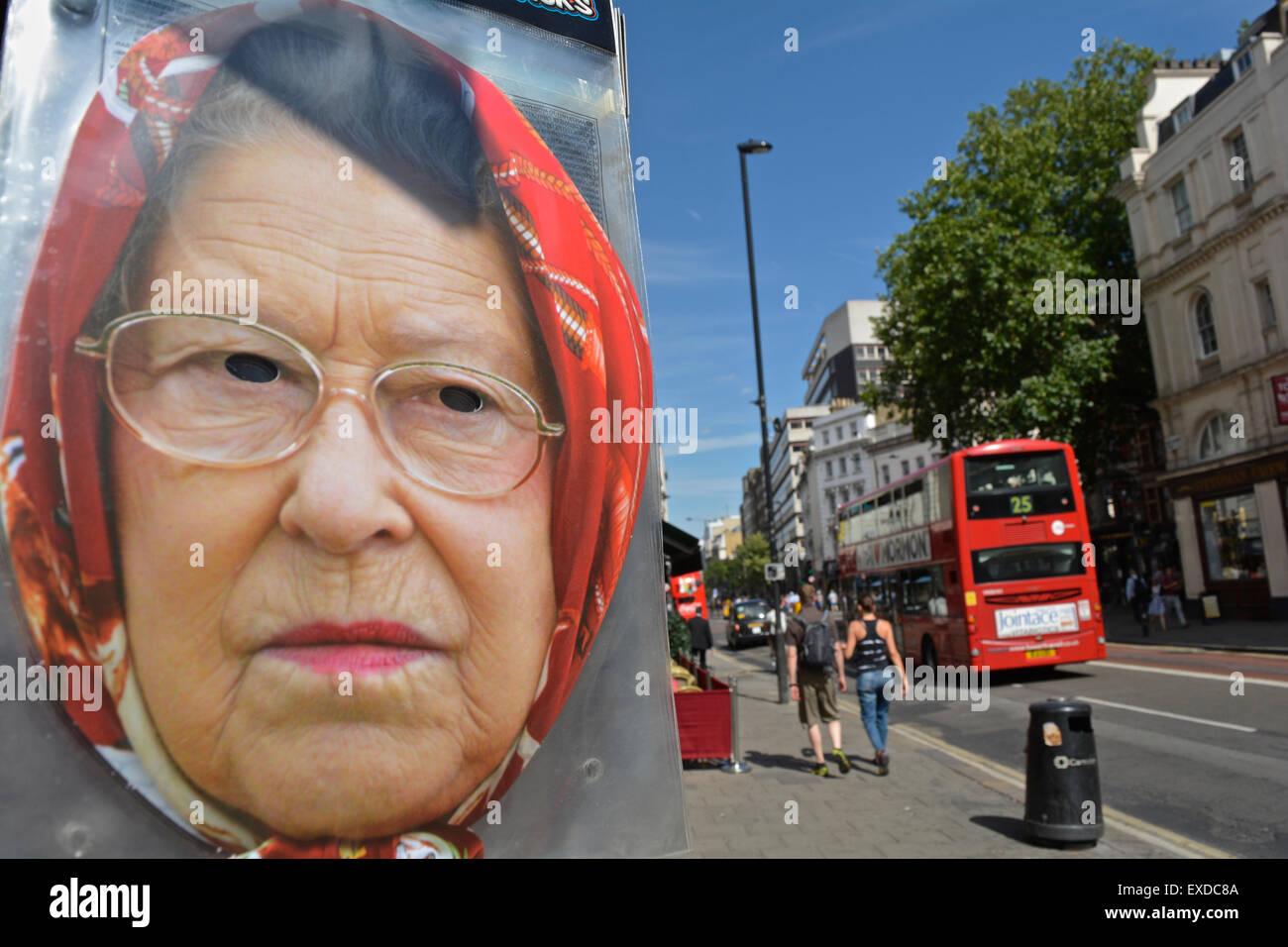 Eine Königin Elizabeth 11 Gesichtsmaske - Man ist nicht amüsiert Stockbild