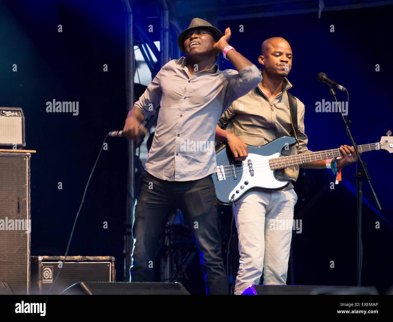 Songhoy blau Mali-Rock-Band spielen live-Gig am Somerset House Festival London UK Stockbild
