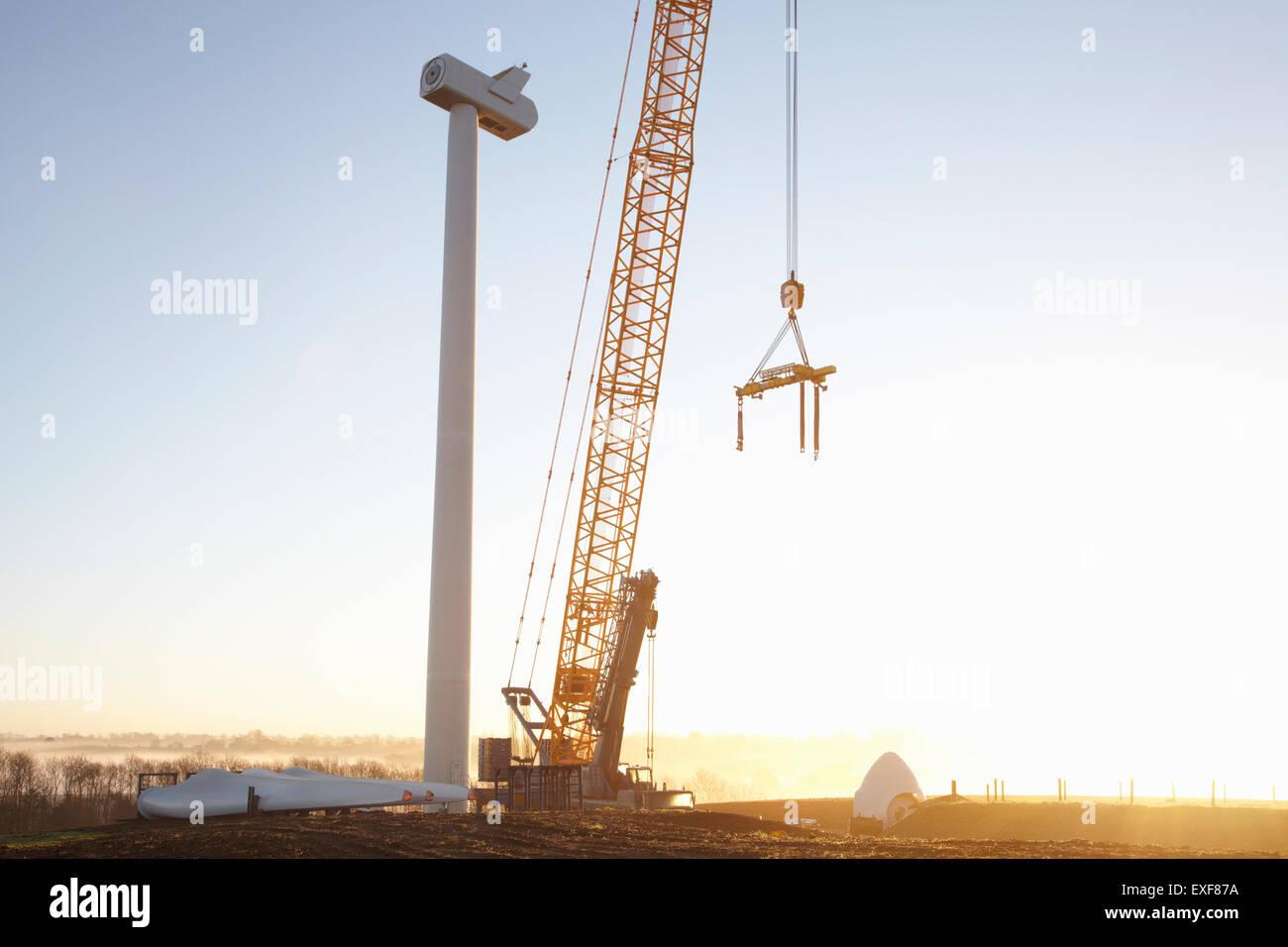 Windkraftanlage errichtet Stockbild