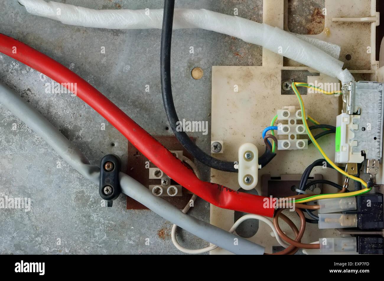 Auto Kühlschrank Kabel : Elektrische kabel von einer alten retro oldtimer kühlschrank sind