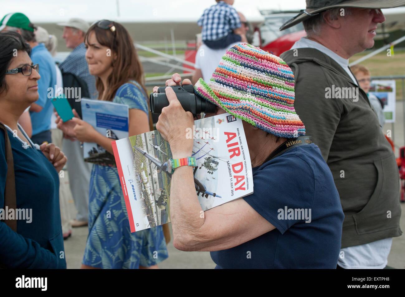 Luftfahrtausstellung Zuschauer an RNAS Yeovilton Air Tag Stockbild