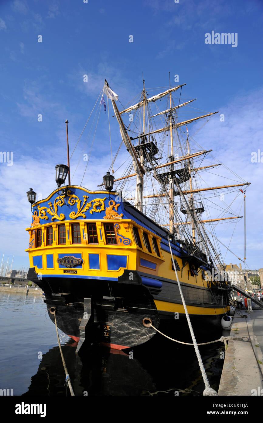 Relativ Frankreich, Bretagne (Bretagne), Saint-Malo, Piraten Schiff Replik SQ99