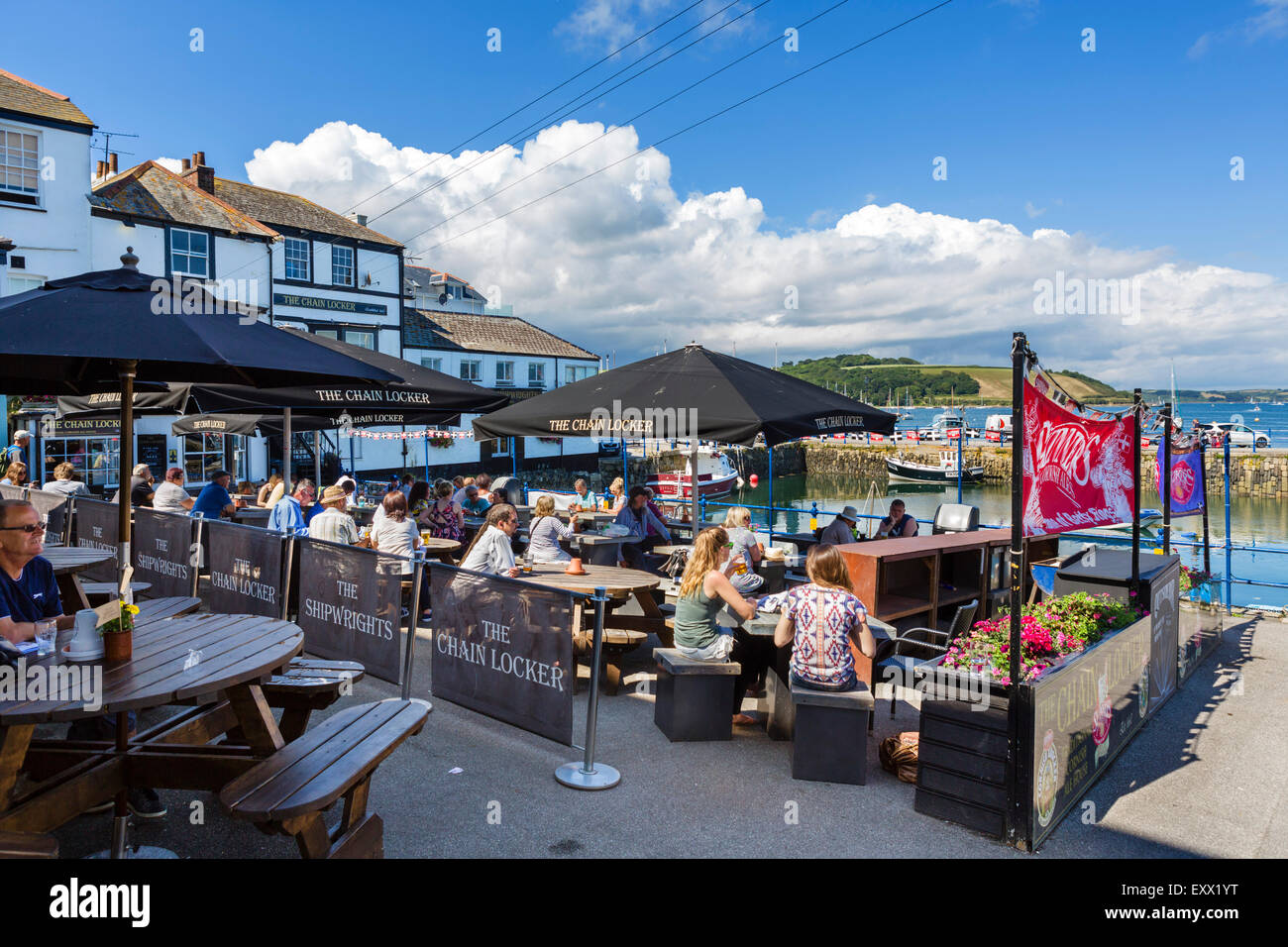Der Kettenkasten Pub auf Custom House Quay, Falmouth, Cornwall, England, UK Stockbild