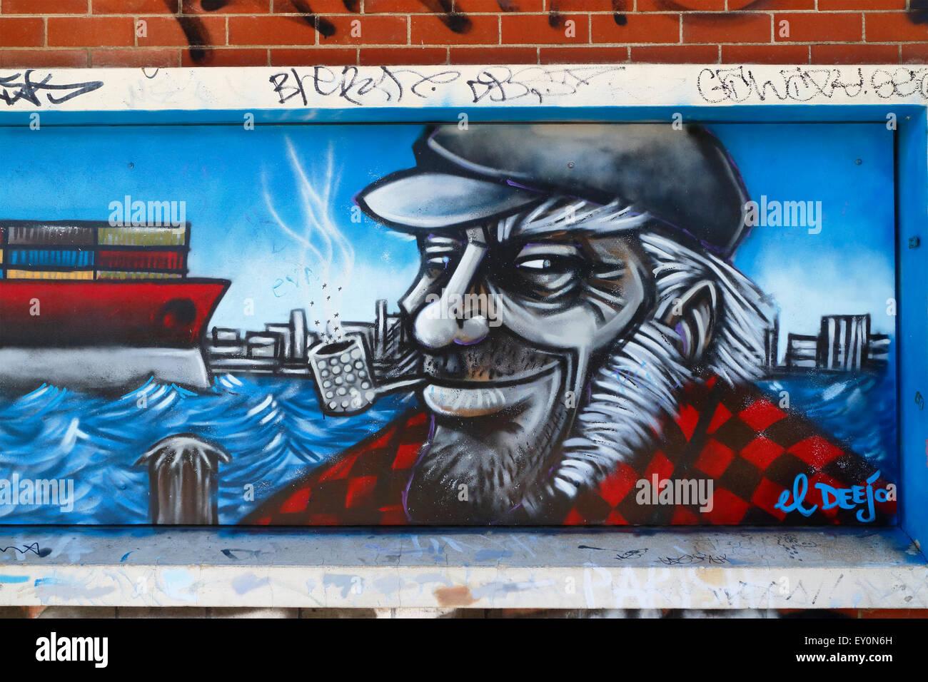 Graffiti-Wand-Wandbild eines Seemanns, raucht eine Pfeife. Fremantle, Western Australia. Stockbild