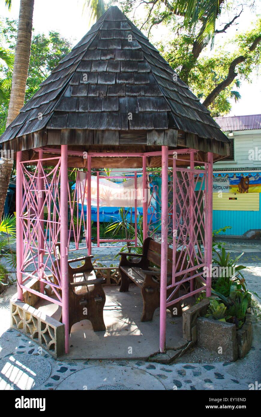 Bunte Rosa Bambus Pavillon Ruhestatte In Bunten Markt Gebauden