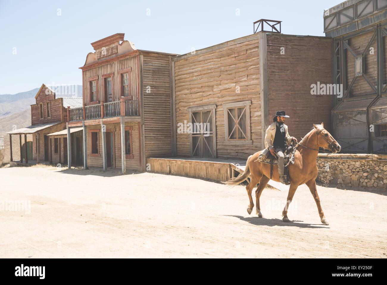 Cowboy Reiten auf Wild West Film eingestellt, Fort Bravo, Tabernas, Almeria, Spanien Stockbild