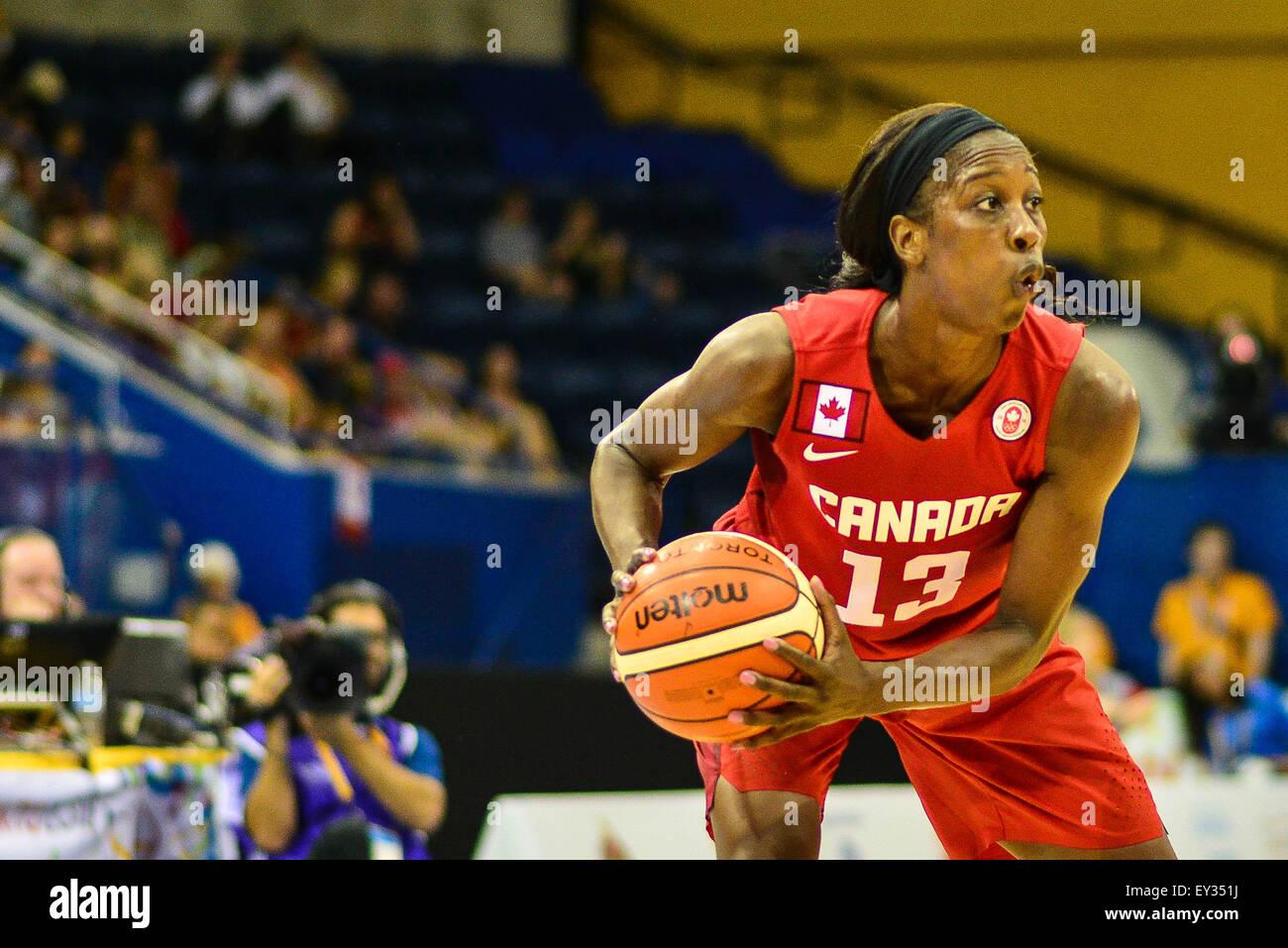 Toronto, Ontario, Kanada. 20. Juli 2015. Tamara Tatham von Kanada, suchte nach einem Pass gegen die USA in die Goldmedaille Stockbild