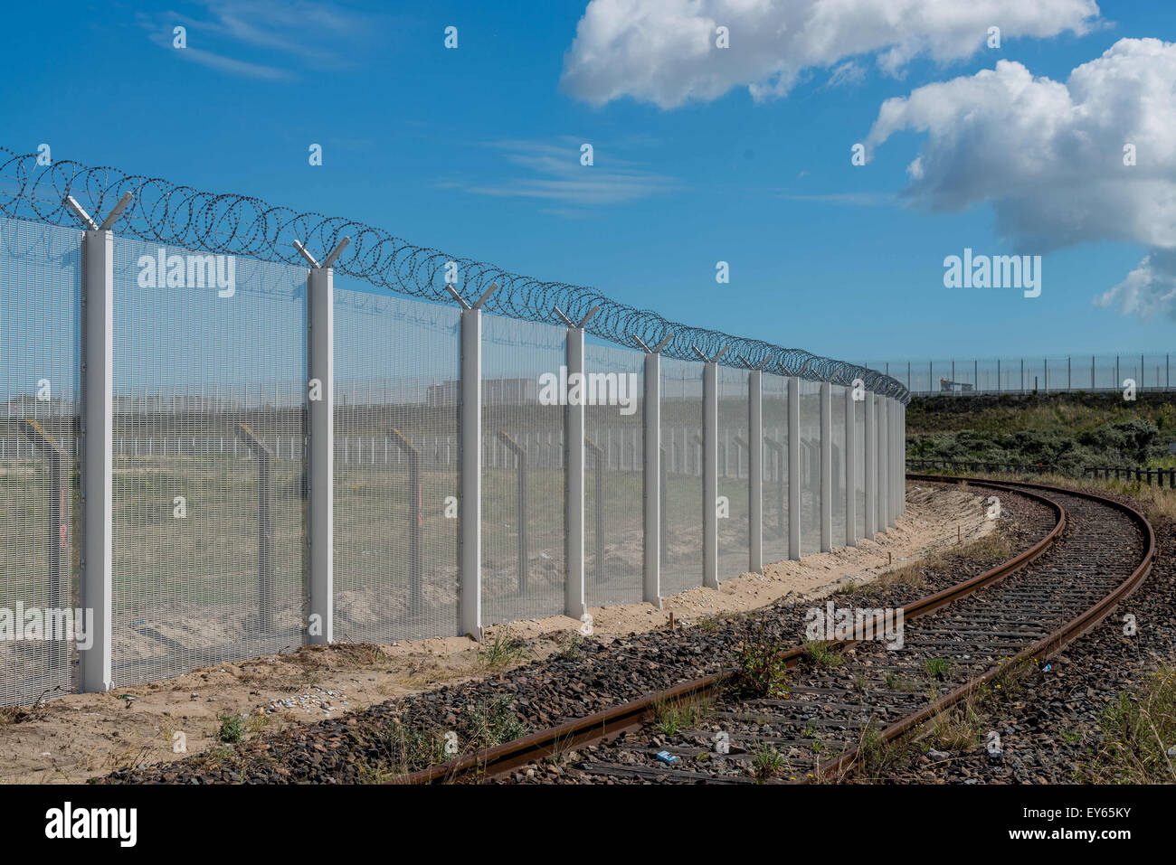 Calais Port Fence Stockfotos & Calais Port Fence Bilder - Alamy
