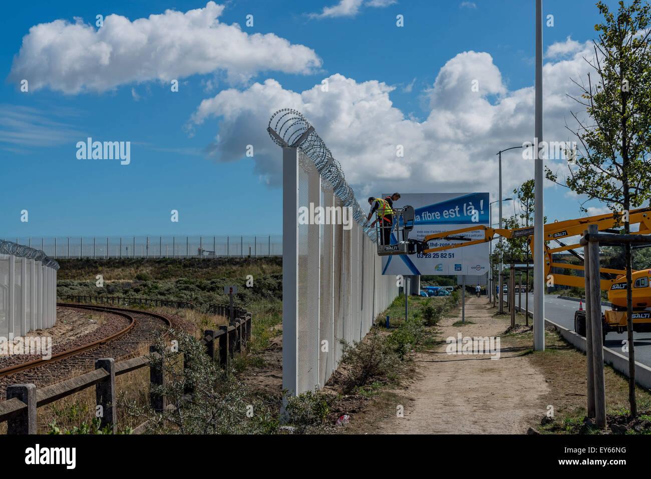 22. Juli 2015 - sollte Bau des Zauns 9 ft-hoch (2,74 Meter), bekannt ...