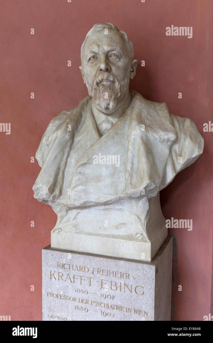 Büste von Psychiatrie-Professor Freiherr von Krafft-Ebing, Arkadenhof der Universität Wien, Ringstraße, Stockbild