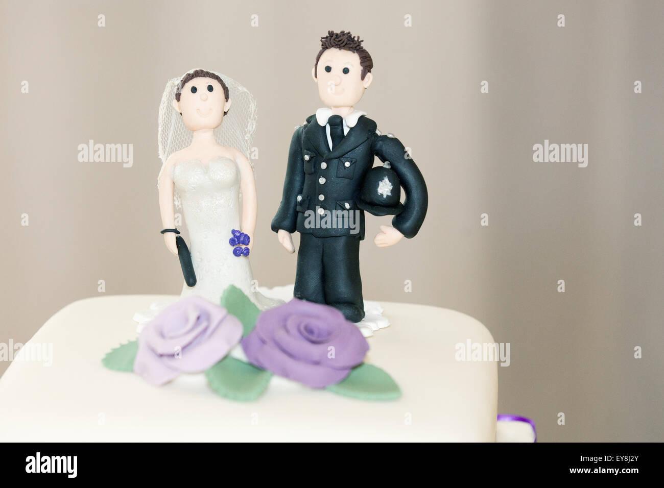 Wedding Cake Topper Stockfotos Wedding Cake Topper Bilder Alamy