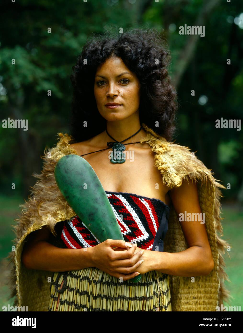 Maori Women Clothing